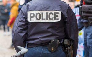 תקיפת שוטר